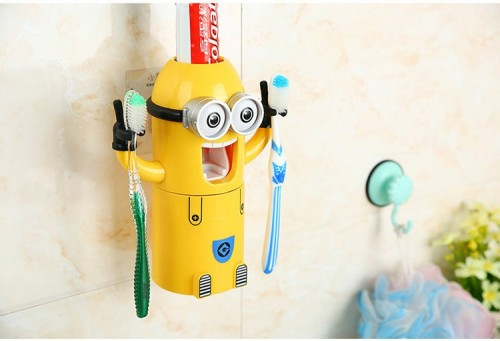 Minions-Automatic-Toothpaste-Dispenser-01