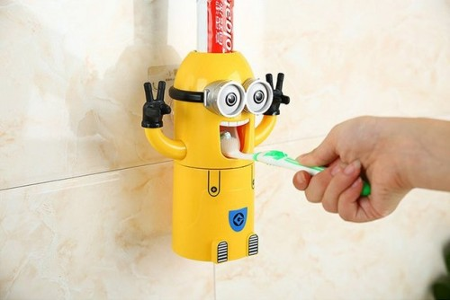 Minions-Automatic-Toothpaste-Dispenser-02
